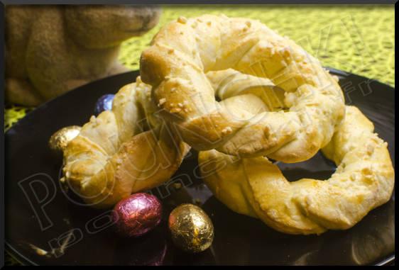 ... , ces petits biscuits parfumés au citron, tout droit venus de Grèce